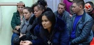 В Алматы заведующая детсадом выпрыгнула из окна, убегая от родителей