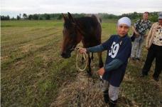 Жестокое обращение с лошадьми на байге в СКО потрясло казахстанцев