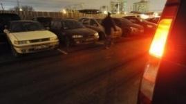 Павлодарец судится с прокуратурой из-за стихийных автостоянок