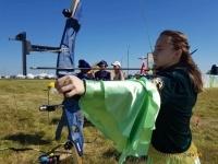 Попробовать свои силы в стрельбе из лука предлагается посетителям этнофестиваля