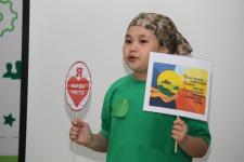 Отказаться от использования пластика в быту предлагают школьники из Аксу