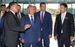 Нурсултан Назарбаев подарил автобус детской музыкальной школе им. Глинки в Экибастузе