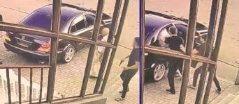 В Павлодаре двое мужчин силой запихнули третьего в машину и увезли в неизвестном направлении