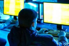 За нахождение 17-летнего парня в компьютерном клубе в Павлодаре могут наказать его мать