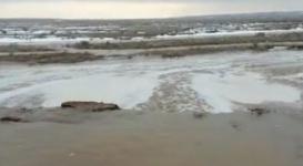 Талые воды затопили дороги в Актюбинcкой и Карагандинской областях