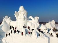 В Китае слепили 34-метрового снеговика