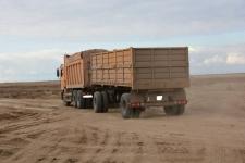 Водители продолжают возить уголь и песок с перегрузом по дорогам Павлодарской области