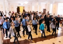 Павлодарские прокуроры станцевали со студентами