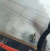 30 пожарных тушили загоревшийся частный дом в Павлодаре