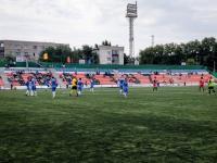 В Экибастузе окрасили трибуны стадиона «Шахтер» в поддержку городской команды по футболу