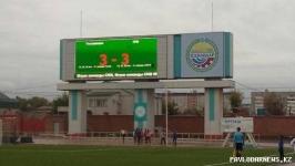 В Павлодаре футбольный матч между госслужащими и журналистами закончился ничьей