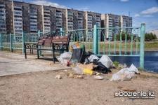 Павлодарцы просят чиновников поставить урны для мусора вдоль берега Усолки