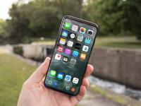Налоговики предупредили о незаконности продажи iPhone 8 из первой партии в РК