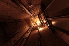 Мужчина упал в шахту лифта в павлодарской гостинице