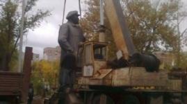 Коммунисты Павлодара намерены подать в суд на акимат за снос памятника Ленину