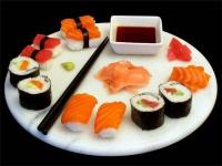 Где можно вкусно поесть суши в Павлодаре?