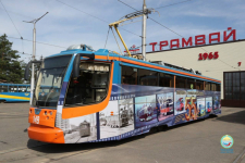 Фотографии старых и новых вагонов можно увидеть на одном из павлодарских трамваев