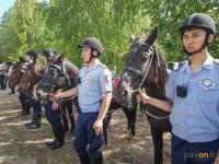 Сотрудники павлодарской дорожной полиции сменили автомашины на коней