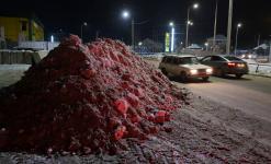 После критики акима области уборщики снега в Павлодаре пообещали вывезти его с улиц за ночь