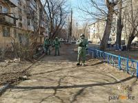 В Павлодаре санобработку городских дворов взяли на себя военные