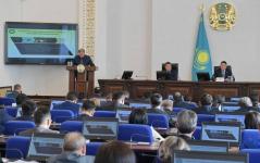 Булат Бакауов поручил разобраться, почему безработные жители региона по несколько раз проходят курсы и не находят работу