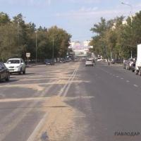Песок на городских дорогах — мера вынужденная, заявили в отделе ЖКХ