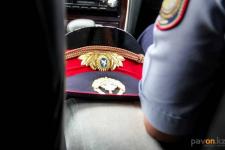 В Павлодаре полиция проверяет навязчивые визиты родни таксиста к пассажирке, которая заявила об изнасиловании