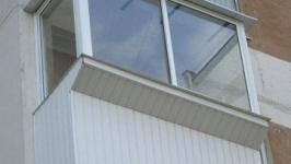 Пенсионерка выбросилась с балкона 4 этажа в Экибастузе