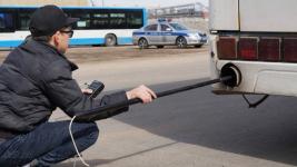 Павлодарские полицейские оштрафовали шестерых водителей чадящих автобусов
