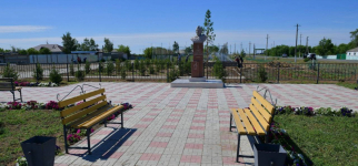 В райцентре Актогайского района строят новый парк с амфитеатром для проведения концертов