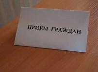 Казахстанских госслужащих будут учить разговаривать с людьми