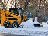 Более 90 единиц спецтехники очищали Павлодар от снега в выходные