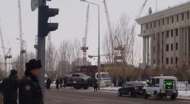 У здания Министерства обороны Казахстана взорвался автомобиль
