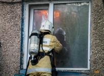 Пьяного павлодарца пришлось эвакуировать с помощью пожарной лестницы спасателям
