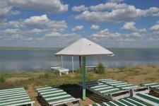Аким Павлодарской области оценил условия отдыха на озере Калатуз