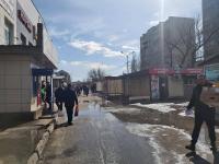 """Неприглядными киосками у торгового дома """"Керуен"""" заинтересовались павлодарские депутаты"""