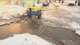 Последствия коммунальной аварии устраняют в Павлодаре