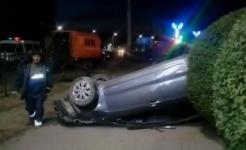 В Павлодаре полицейский попал в ДТП, перевернувшись на личной автомашине