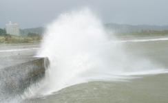 Наводнение в Таиланде: 2 млн пострадавших и приближение мощного тайфуна