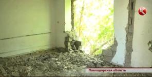 В Павлодарской области матери одиночки 17 лет живут в аварийном доме