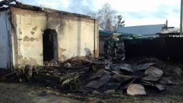 Участковый села Розовка спас трех людей от пожара