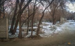 Подрядчик не освоил девять миллионов, выделенных на установку забора возле Пахомовского кладбища