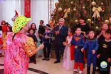 Сертификаты на приобретение спортивной одежды получили дети на ёлке акима Павлодара