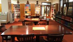 В павлодарских библиотеках депутаты не нашли читателей