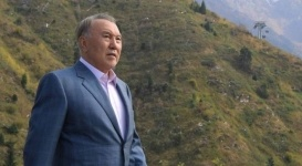 Нурсултан Назарбаев поздравил алматинцев с 1000-летним юбилеем города