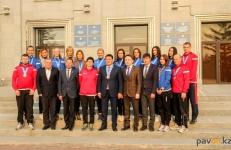 Глава Павлодарского региона призвал павлодарских волейболисток ставить перед собой амбициозные задачи