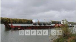 В Павлодар доставили уникальные реакторы