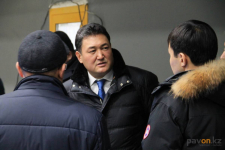 Экс-акима Павлодарской области Булата Бакауова отправили под домашний арест