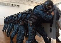 После терактов полицейских учат навыкам спецназа