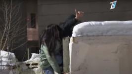 """""""Асема, лезь за мной"""". Побег из бара через огороды сняли на видео в Павлодаре"""